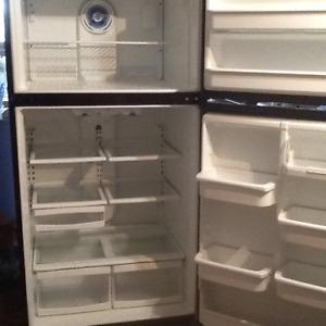 """Réfrigérateur Maytag 32"""" grande capacité"""