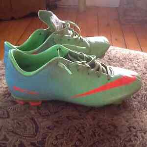 Soccer cleats size 5.5