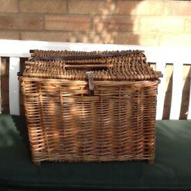 Wickerwork cats basket