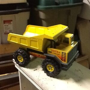 """TONKA TRUCK """"PICK UP ONLY"""""""