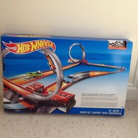 Hot Wheels 10 in 1 track