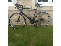 BRAND NEW Giant Defy carbon racing bike XL size including pedals