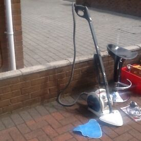 Vax floor cleaner to clear reduced by £20 to clear now £20