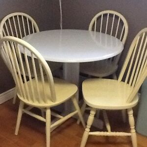 4- hint of lime chairs with silver table