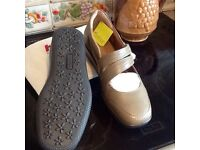 NEW HOTTER SANDALS SIZE 6 1/2 or 39 only £25 in catalogue at £59 unable to use to toe brakes