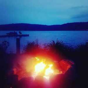 LAKEFRONT Getaway, Labour Week/Weekend in Bancroft 4 Bedrooms++