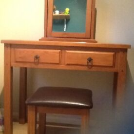 Solid wood dressing table set