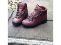 Ladies size 4 Leather Hiking Boots
