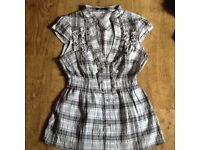 JANE NORMAN TOP PETITE SIZE 10 : CAP SLEEVE, RIB WAISTBAND, GREEN/WHITE CHECK . EXCELLENT CONDITION