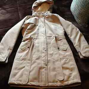 STUNNING BEIGE NORTH FACE WINTER JACKET S West Island Greater Montréal image 1