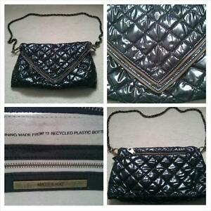 Authentic Matt & Nat Shiny Santgold Balck Zip/Clutch West Island Greater Montréal image 1