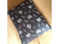 New unused large dog bed / cushion with removable zipped cover