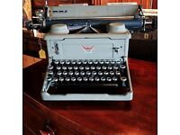 Imperial 55 1940's Typewriter
