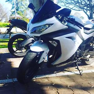 Ninja 300 low kms Para Vista Salisbury Area Preview