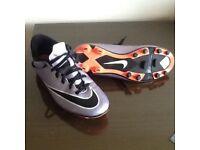 Boys Size 6 Nike Mercurial Football Boots