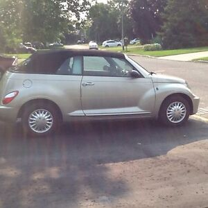 2006 Chrysler PT Cruiser Convertible in Mint condition