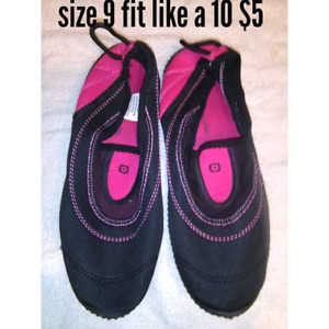 ladies size 9 water shoes fit more like 10