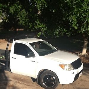 2007 Toyota Hilux Ute turbo 2.7 may swap trade Thallon Balonne Area Preview