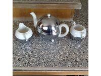 Teapot, milk jug & sugar bowl