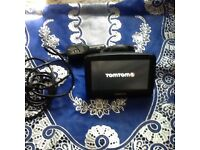 Tomtom excellent working condition with holder and charger