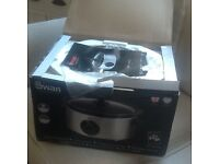 **Brand new in box** Swan 3.5 litre slow cooker