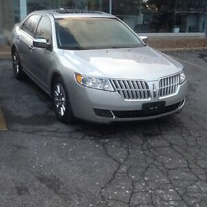 Get it before it hits the Lot  2010 Lincoln MKZ