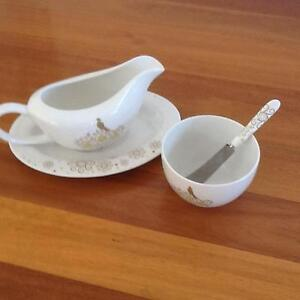 Maxwell & Williams Christmas Gravy Boat and Dish Set Taren Point Sutherland Area Preview