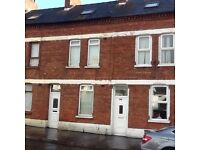 AINSWORTH AVENU, BELFAST. DSS FAMILY WANTED. LOW DEPOSIT .