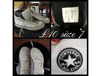 Converse Trainer boots size 7
