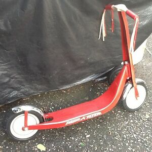 Antique radio flyer scooter