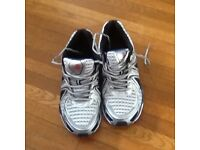 Unused Karrimor running shoes size 7 1 /2