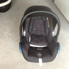 Childs Pushchair / stroller, pram, baby car seat, 3 in 1 travel system, maxi cozi