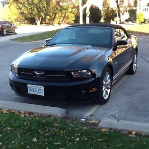 2010 Ford Mustang V6 Coupe (2 door) Windsor Region Ontario image 1