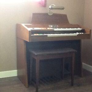 Wurlitzer  double Keyboard   Digital Music System