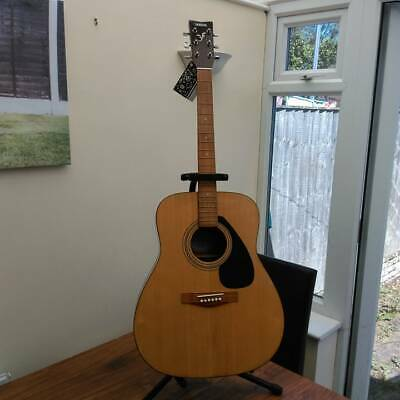 Yamaha 310 Acoustic Guitar (With Stand)