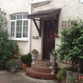 Outskirts of Chudleigh, one Bedroomed accom with All mod cons.in secluded courtyard easy access A38.
