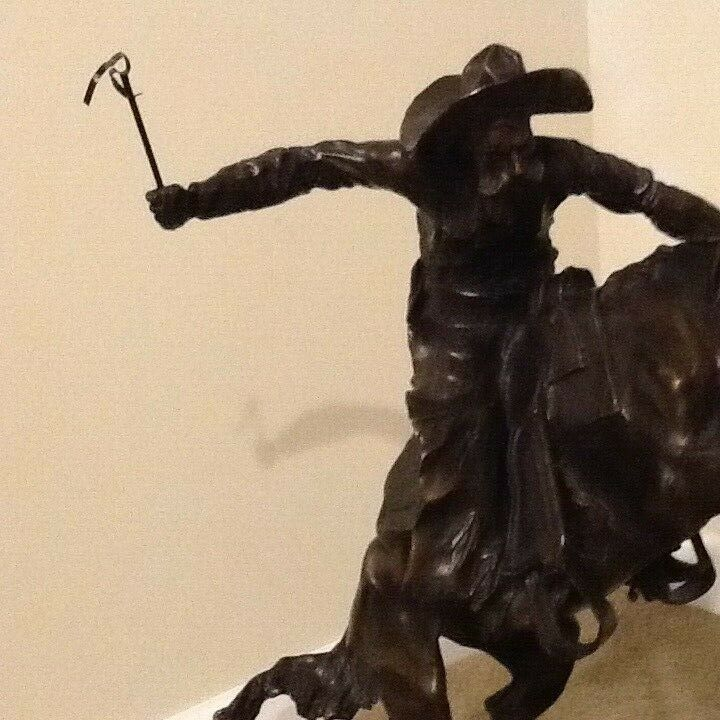Купить LARGE BRONCO BUSTER BRONZE ON MARBLE STATUE REPRODUCTION BY FREDERIC REMINGTON