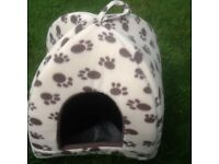 Memory Foam Cat Dome sleeping bed.