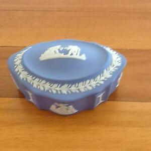 Wedgewood Blue Jasperware Lidded Dish Taren Point Sutherland Area Preview