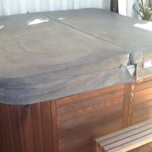 6 Seater spa Port Kennedy Rockingham Area Preview