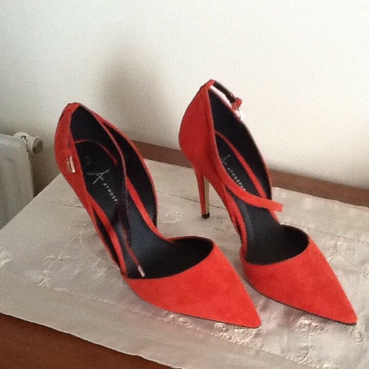 Three pairs ladies shoes