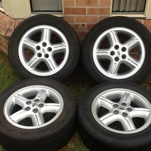 Four 18' X 8' Land Rover mag wheels with 255 55 18 tyres Prestons Liverpool Area Preview