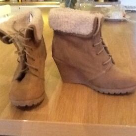For sale ladies size 4 ankle boots