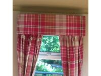 Red / burg Andy check curtains