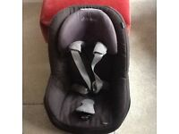 Two Maxi Cosi Pearl Car seats AND Two Isofix bases(ideal if two car household or spare for g'parent)