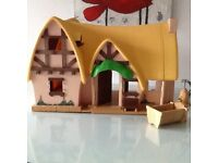 COUNTRY COTTAGE dolls house with some accessories (vgc)