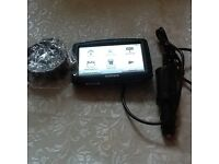 Tomtom xl uk&ireland with holder and charger