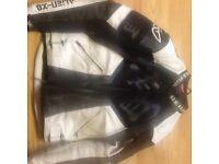 Berik alienx8 leather jacket small