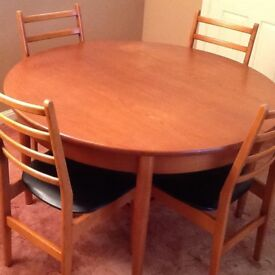Jentique Dining Table & Chairs
