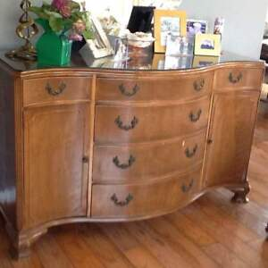 DUNCAN PHYFE MAHOGANY BUFFET with GLASS TOP
